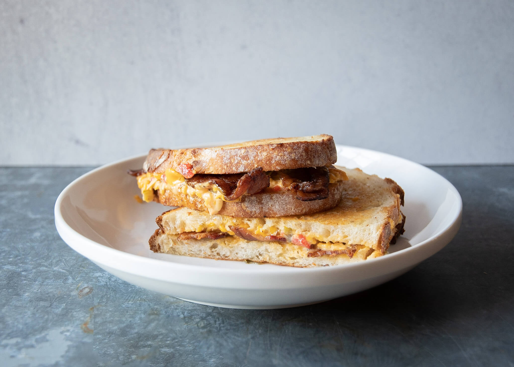 Pimiento Cheese Recipe - Grilled Pimiento Cheese Sandwich With Bacon